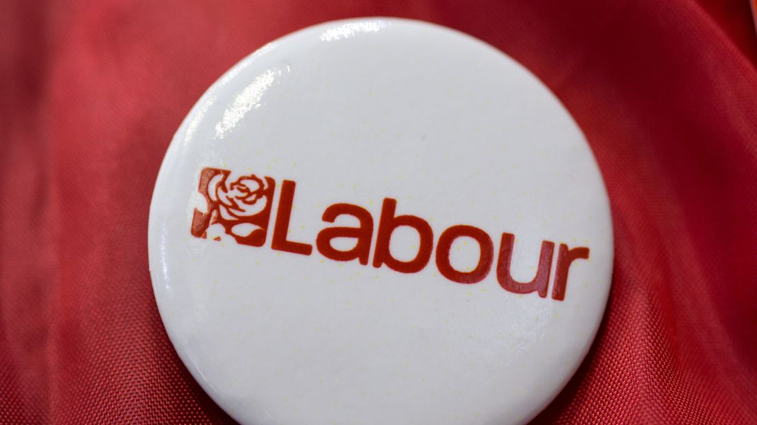 Labour seeks to distance itself from pro-Corbyn anti-Semitic Facebook groups