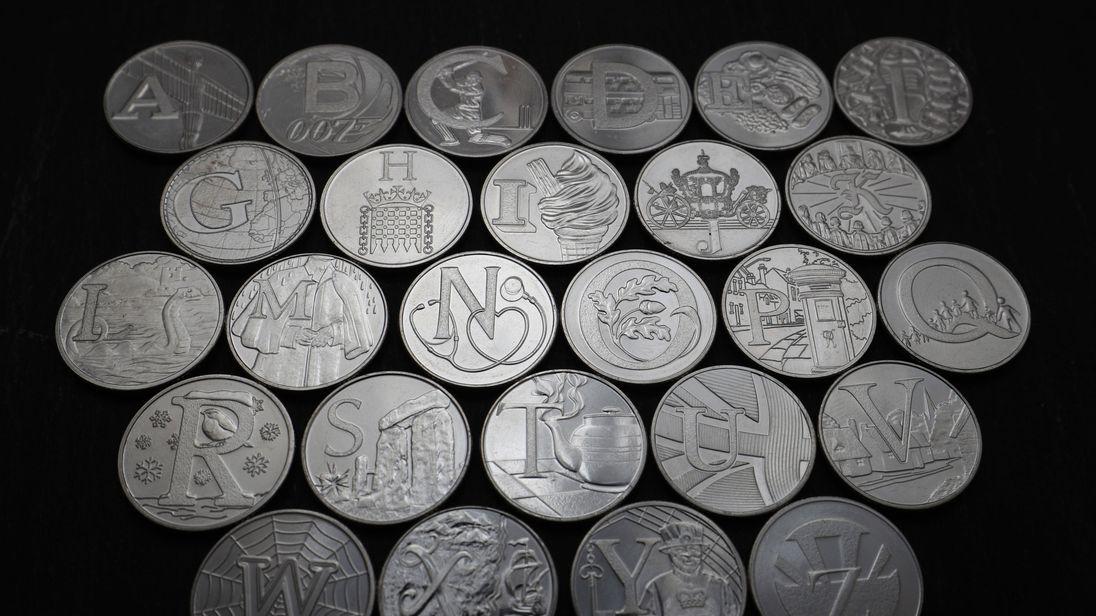 Nouvelles pièces de 10 pence Skynews-new-10-pence-coins_4243588