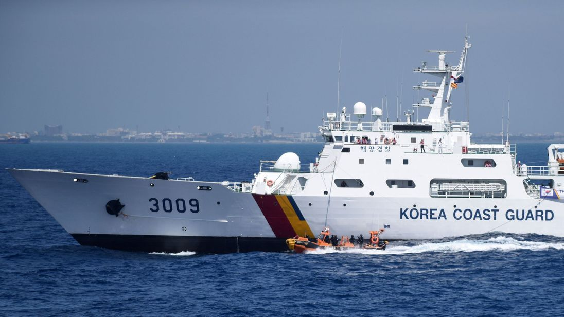 S.Korea rescues all 163 from ferry accident