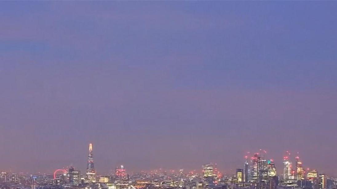 Time-lapse camera captures snow blanketing London