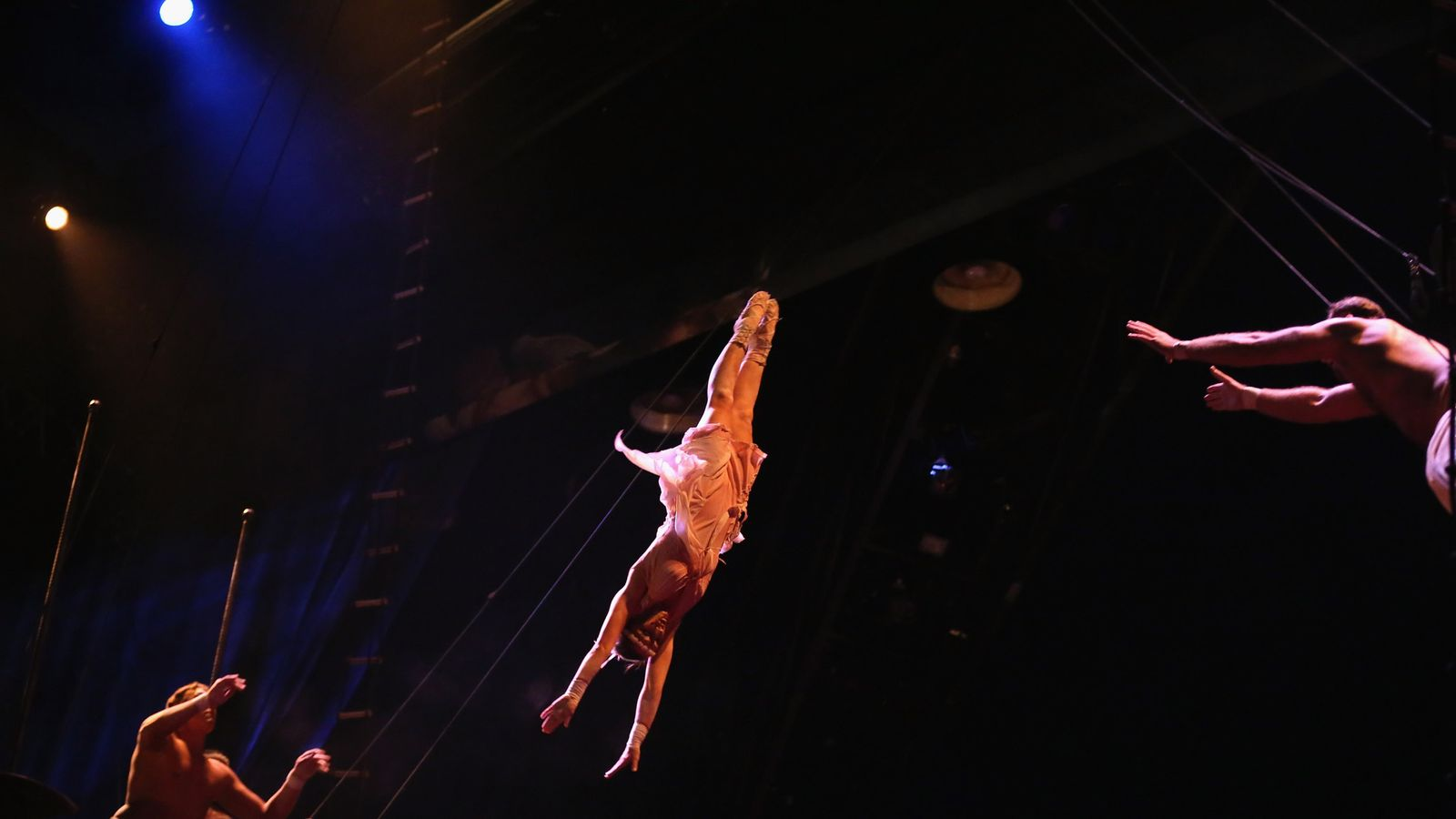 Cirque du Soleil performer falls to his death