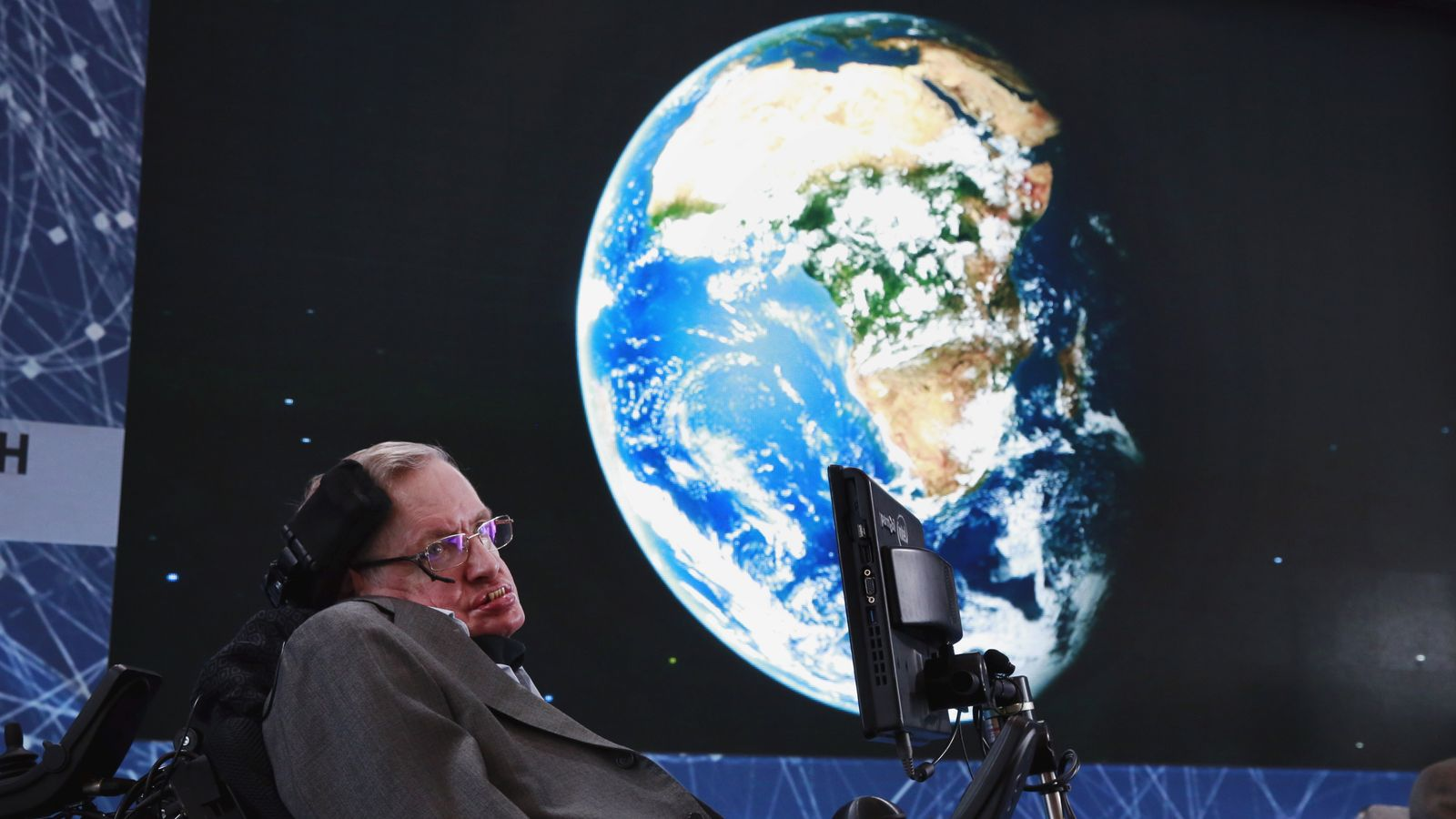 Stephen Hawking has passed away at 76 years old