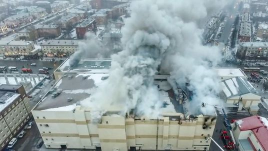 Putin announce day of mourning for mall fire