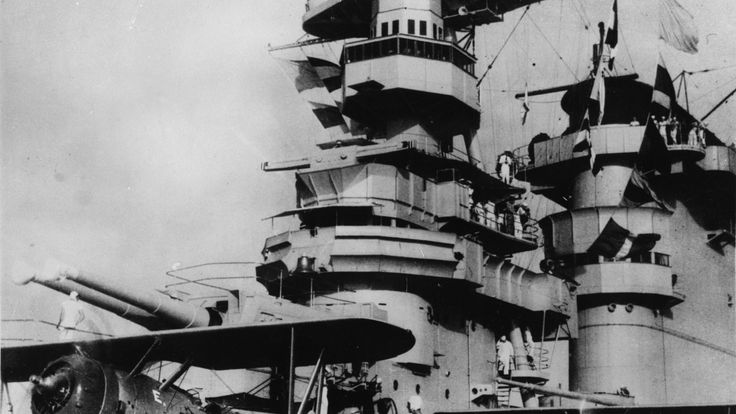 1941: The 'USS Lexington' aircraft carrier. (Photo by Keystone/Getty Images)