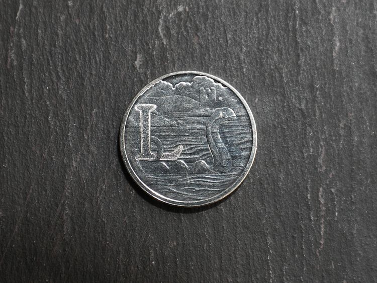 One of the Royal Mint's 26 brand new 10 pence designs, the letter L