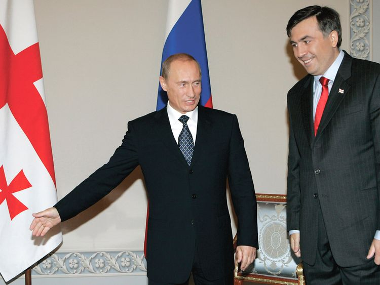 Vladimir Putin with Mikheil Saakashvili in St Petersburg in 2007