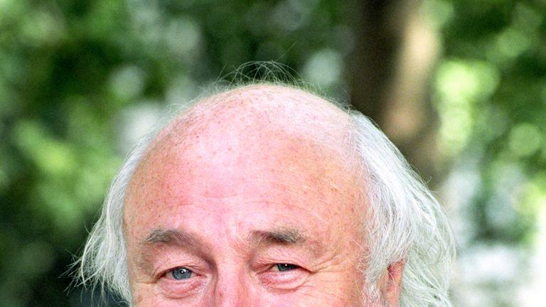 Bill Maynard dies aged 89