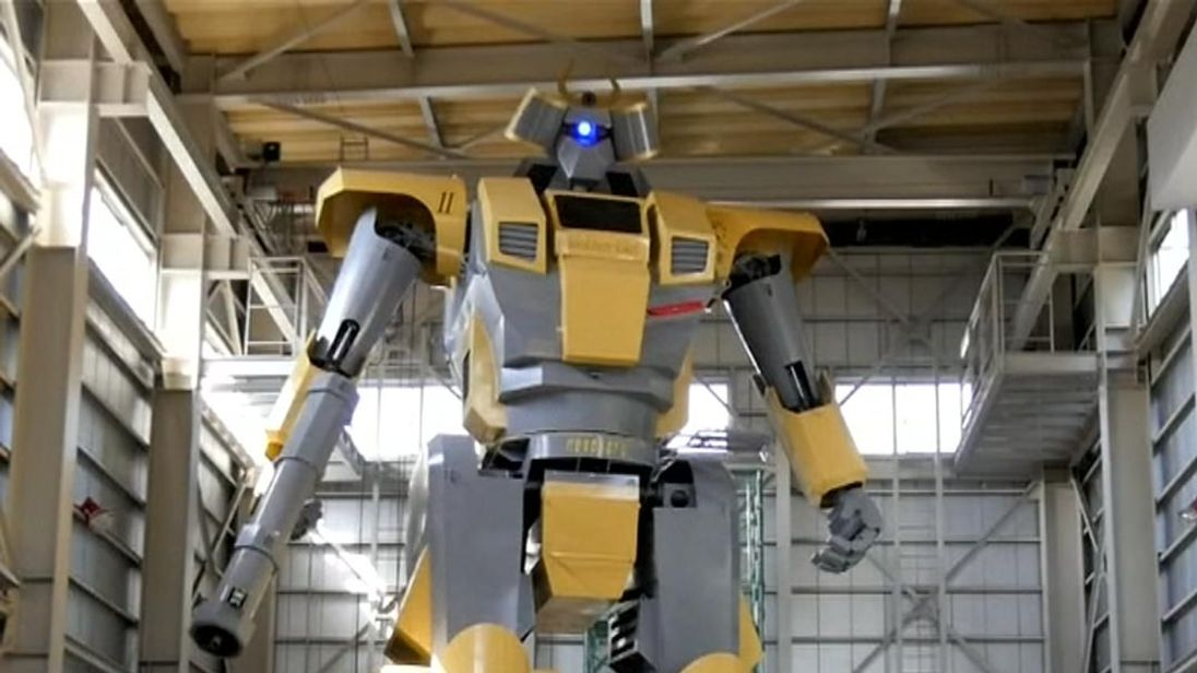 Giant 'Gundam' Robot built by Japanese engineer