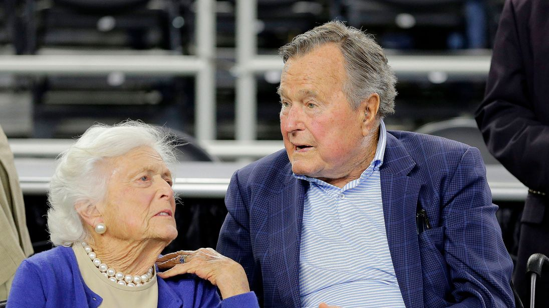 Barbara Bush and George H W Bush in 2015