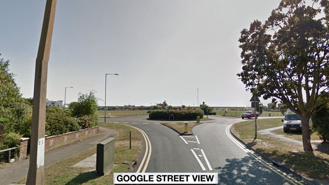 Canvey crash: Five hurt as auto hits pedestrians