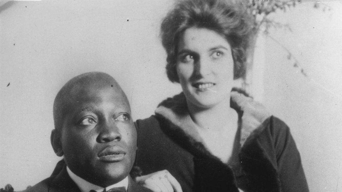 Trump pardons late boxing champion Jack Johnson