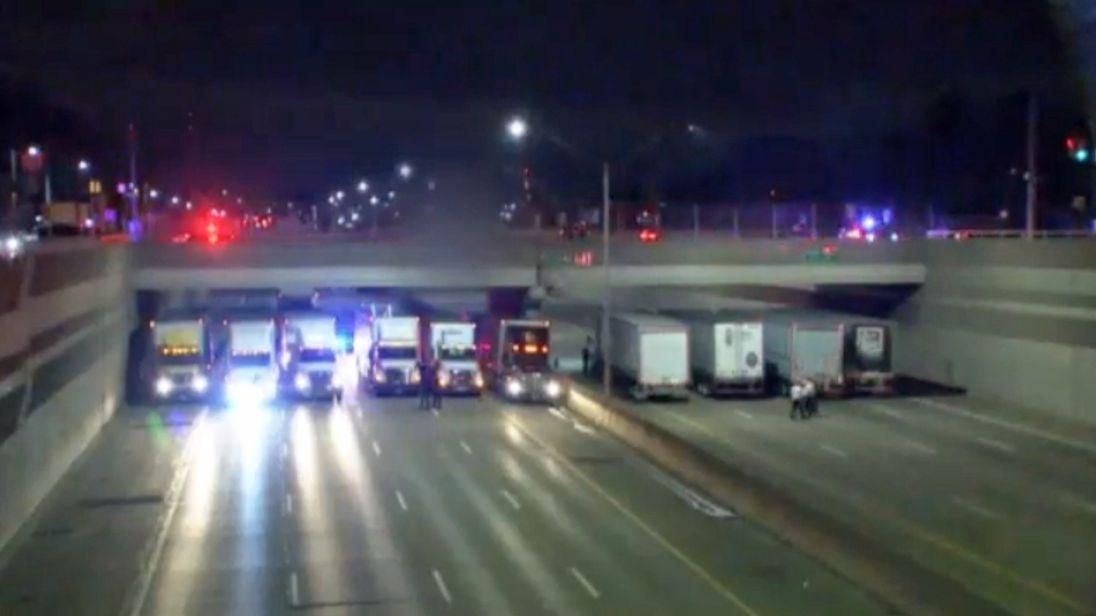 Trucks at Michigan bridge. Pic: FOX2News