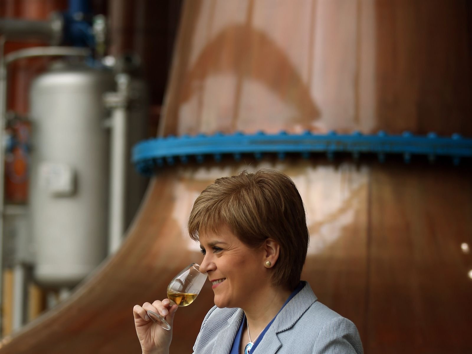 skynews-nicola-sturgeon-whisky_4297714.j