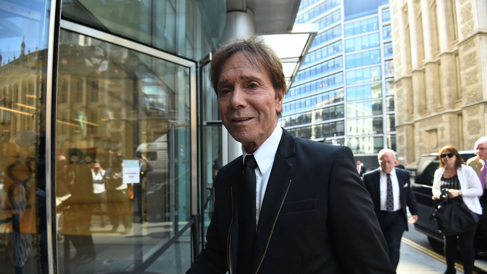 BBC: Sir Cliff coverage was in 'public interest'