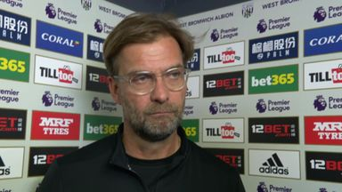 Klopp complains about pitch
