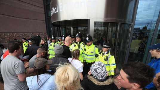Police stop protesters from getting into Alder Hey Children's Hospital