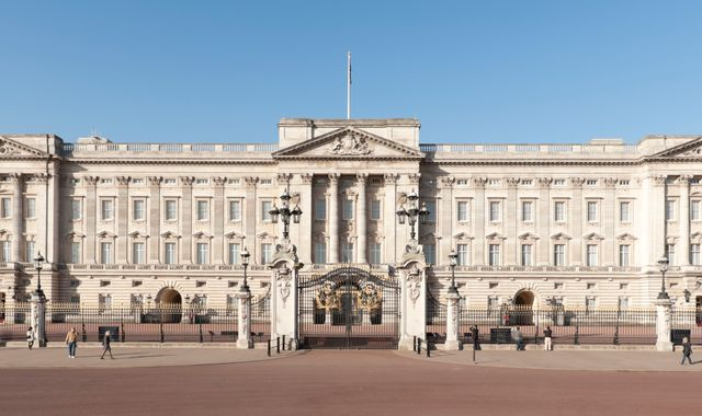 Buckingham Palace: Man Arrested After 'Suspicious' Van Found