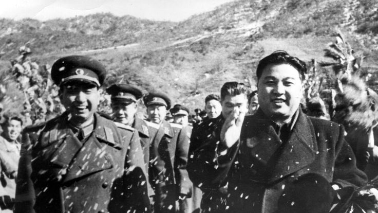 Kim Il Sung evacuating Chinese troops from North Korea in 1955