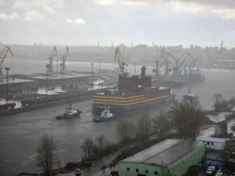 The world's first floating nuclear power plant, leaves St. Petersburg under tow. Credit:Nicolai Gontar/Greenpeace