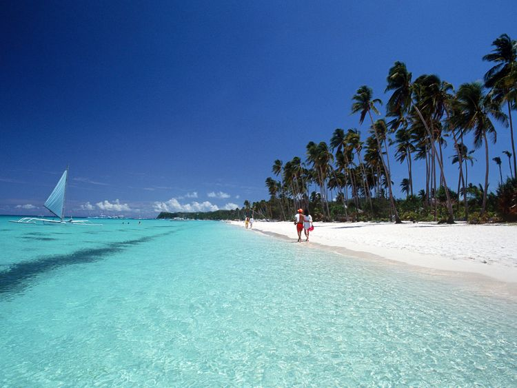 A white sandy beach in Borocay, Philippines