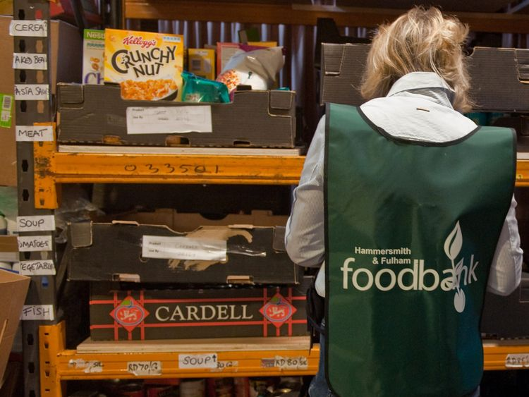 A rising number of people are using food banks in Universal Credit areas.