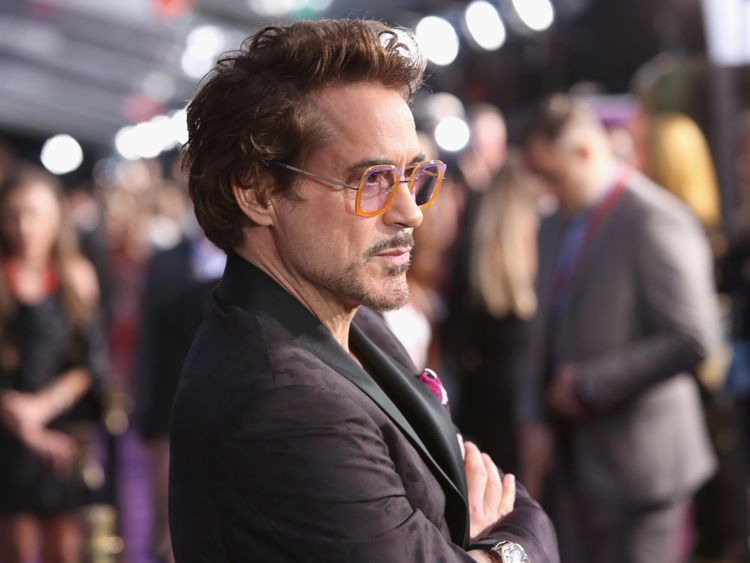 Robert Downey Jr poses at the premiere