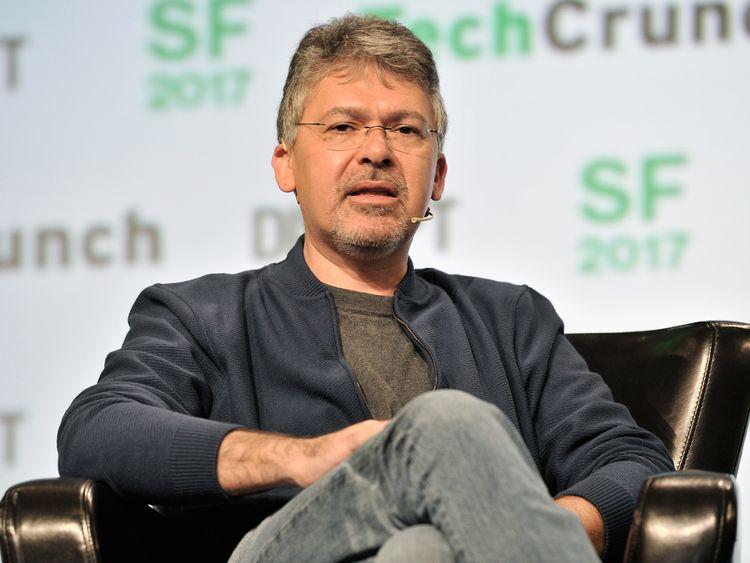 Apple hires Google's genius AI engineer