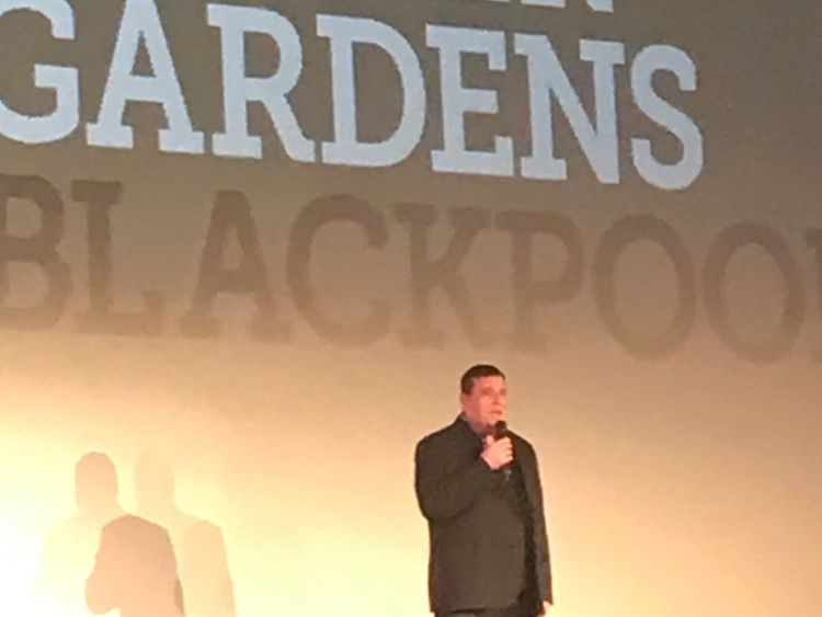 Peter Kay makes surprise return to stage