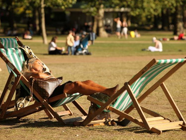 The weather next will be perfect for afternoon naps in Hyde Park