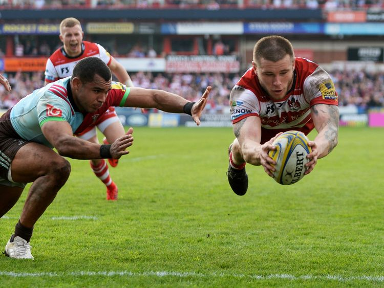 GLOUCESTER, ENGLAND - APRIL 14: Jason Woodward of Gloucester scores a try during the Aviva Premiership match between Gloucester Rugby and Harlequins at Kingsholm Stadium on April 14, 2018 in Gloucester, England. (Photo by Nathan Stirk/Getty Images)