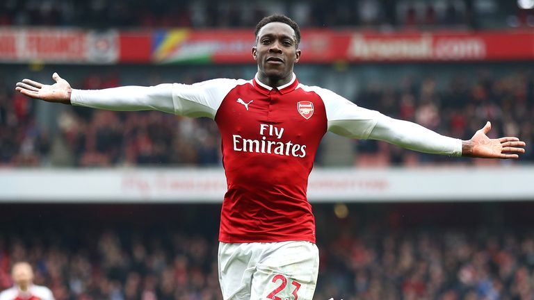 Arsenal's Welbeck double deepens Southampton's troubles