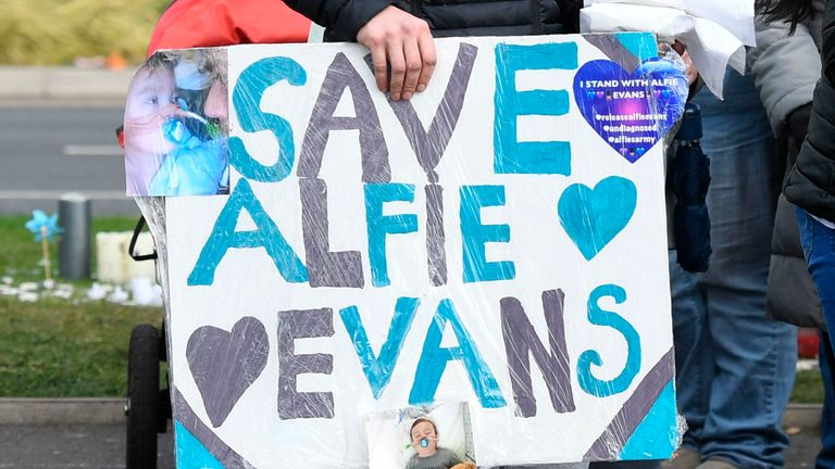 Alfie Evans protesters demonstrate outside Alder Hey Children's Hospital in Merseyside