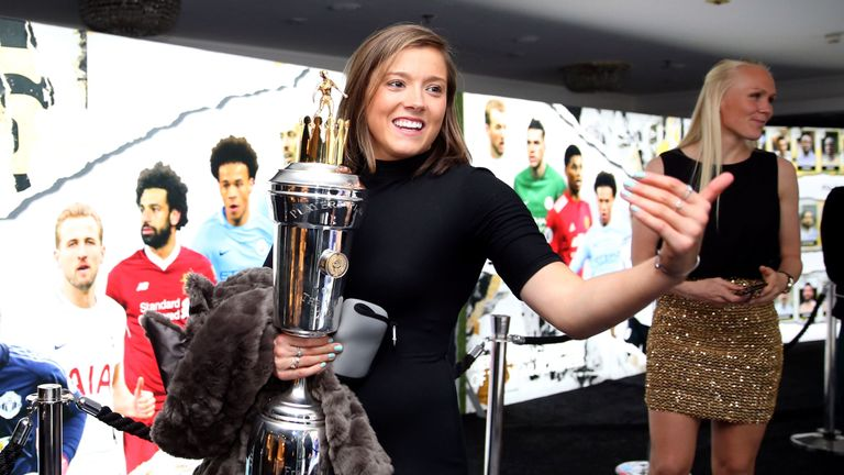 Fran Kirby leaves with her PFA female player of the year award after the 2018 PFA Awards at the Grosvenor House Hotel, London. PRESS ASSOCIATION Photo. Picture date: Sunday April 22, 2018. See PA story SOCCER PFA. Photo credit should read: Steven Paston/PA Wire