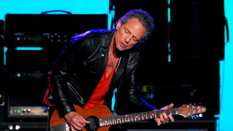 Lindsey Buckingham at Madison Square garden in 2009