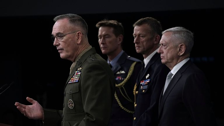 US Defence Secretary Jim Mattis (R) and Chairman of the Joint Chiefs of Staff Gen Joseph Dunford (L)