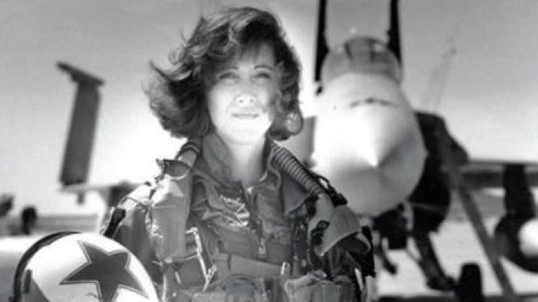 Tammie Jo Shults during her time with the US Navy in 1993. Pic: Military Fly Moms