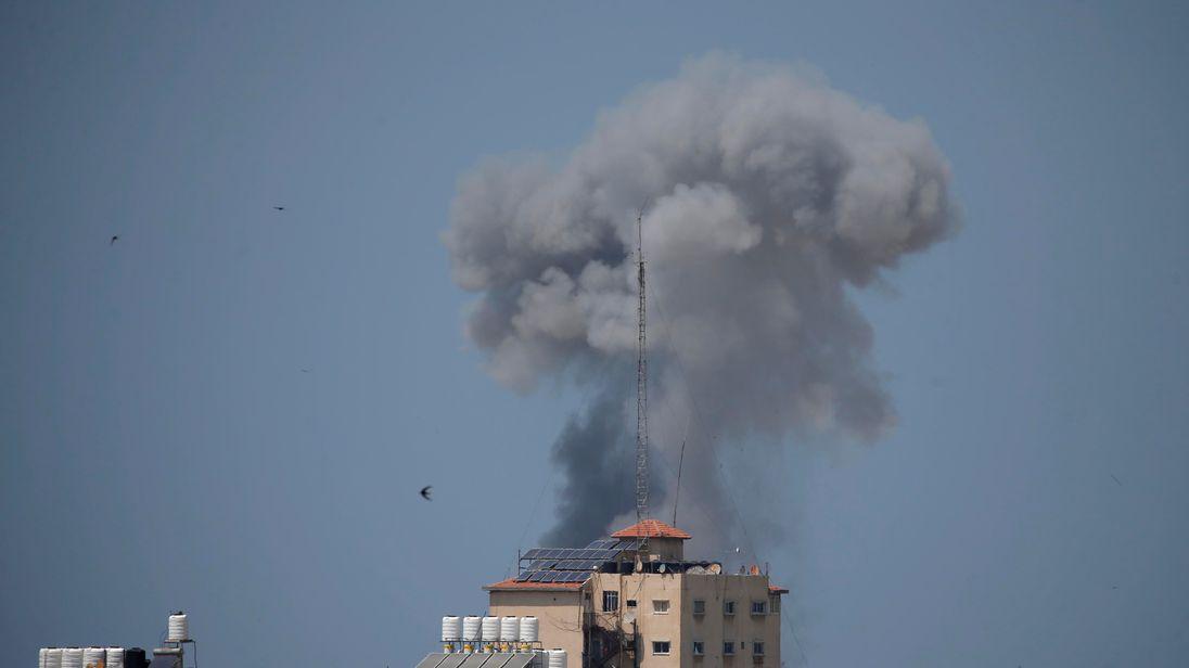 Smoke rises following an Israeli air strike in Gaza May 29, 2018. REUTERS/Suhaib Salem