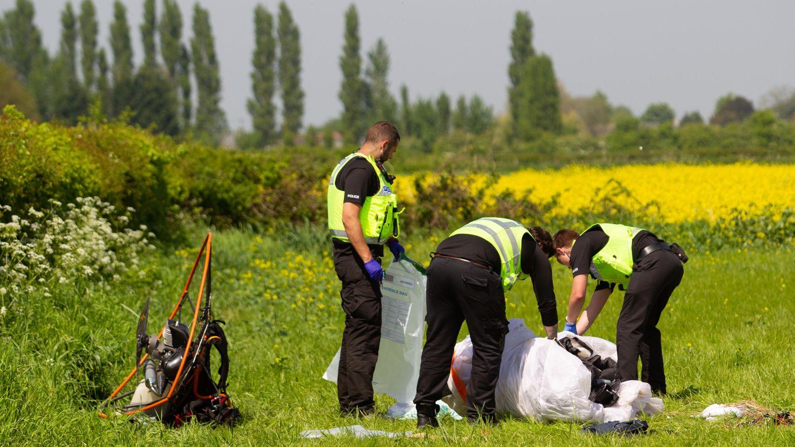在彼得伯勒附近的空中坠毁中,滑翔伞死亡,另一人受伤