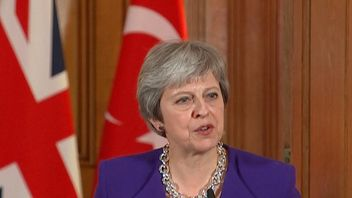 Theresa May says there should be an investigation into events in Gaza which led to deaths