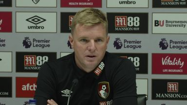 Howe wants to sign young players