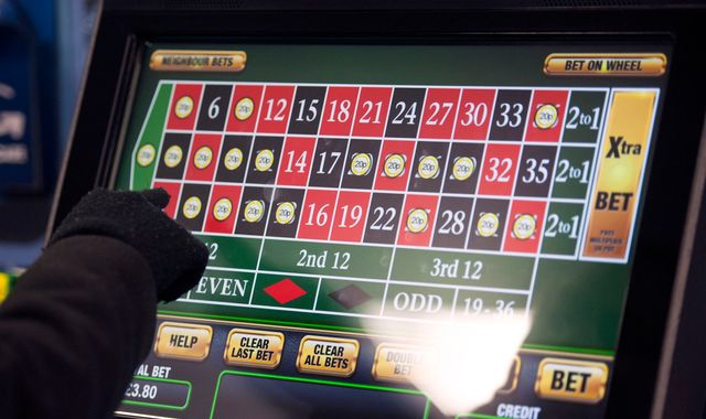 Fixed-odds betting machines shake-up CONFIRMED - 21000 jobs AT RISK
