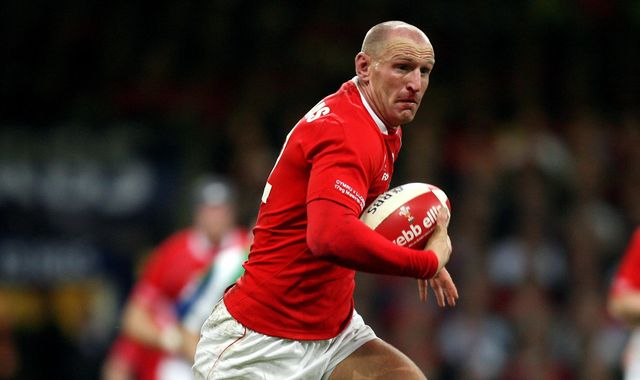 Gareth Thomas forced to reveal HIV diagnosis having kept it secret for years