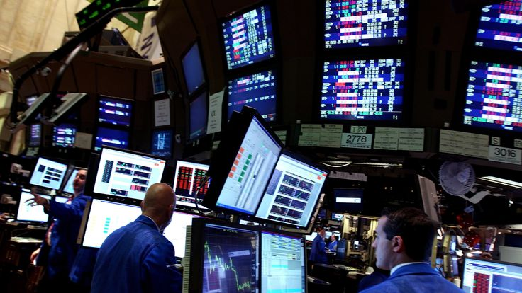 Traders at the New York Stock Exchange in September 2008