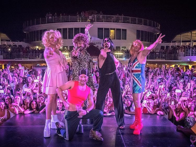 Wannabes: Backstreet Boys dress as Spice Girls