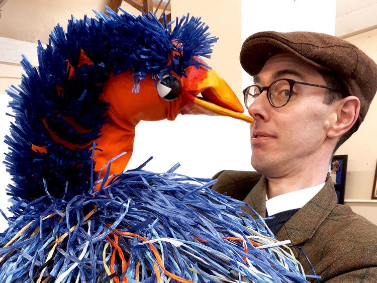 Rod Hull's Emu smashes estimate at auction