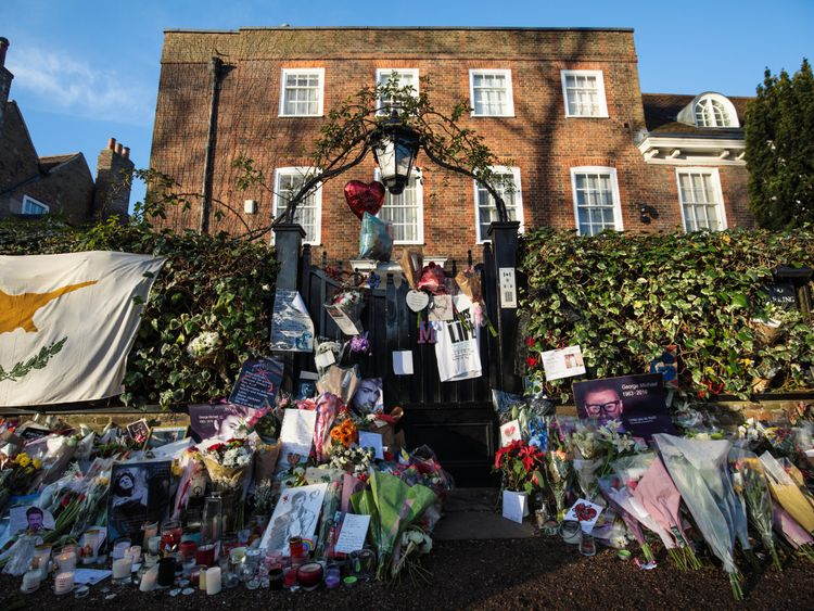 George Michael's family ask fans to remove tributes