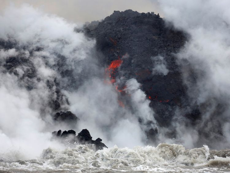 As the wind changes direction more Hawaiians have been put at risk by the toxic clouds