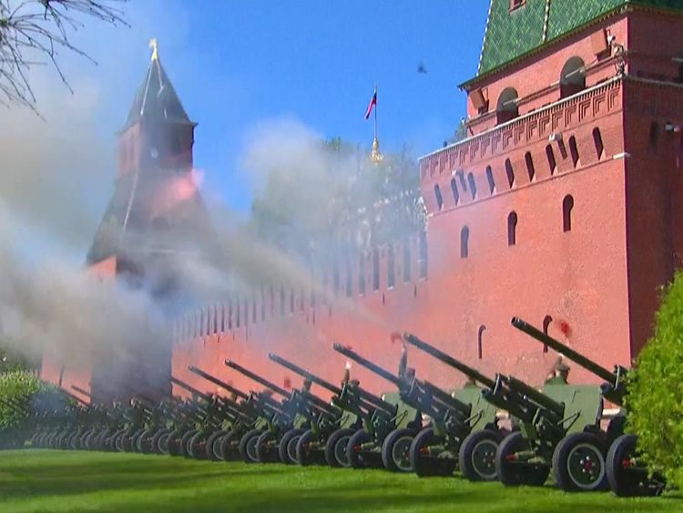 A gun salute welcomes Mr Putin's fourth term as president