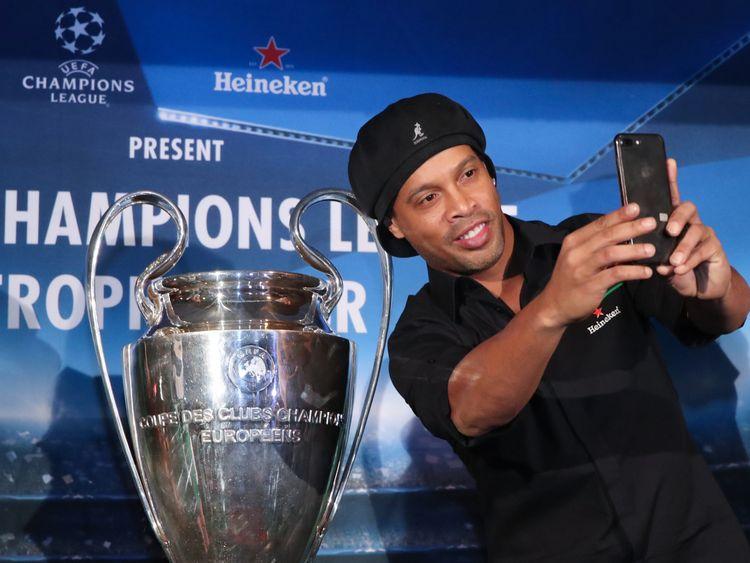 Ronaldinho 'to Marry' His Two Girlfriends In Rio De Janeiro