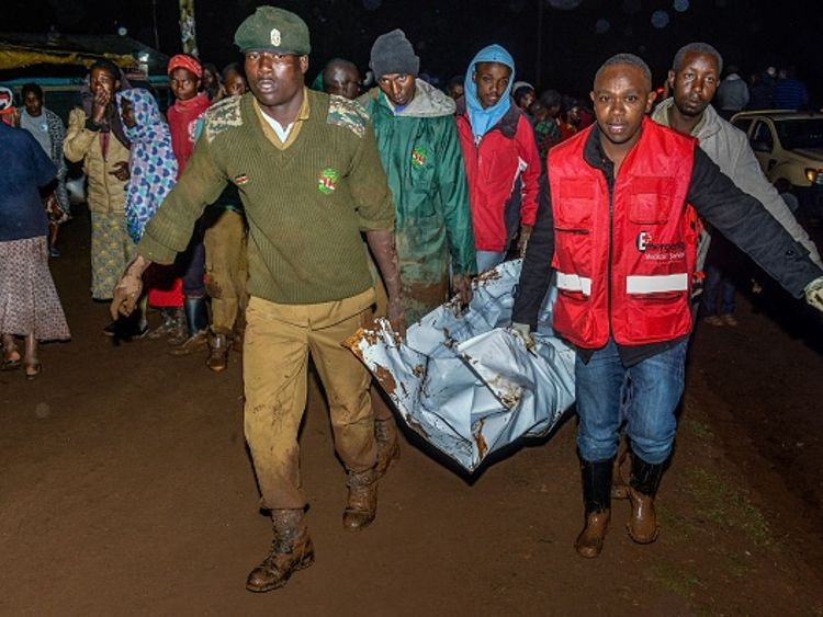 Dozens killed as Kenya dam bursts